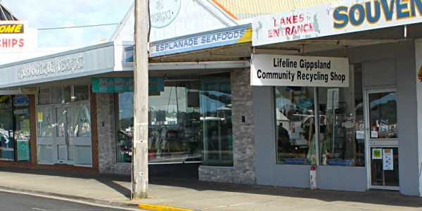 Lifeline Gippsland Op Shop: Lakes Entrance