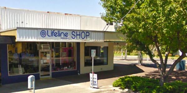 Lifeline Gippsland Op Shop: Moe